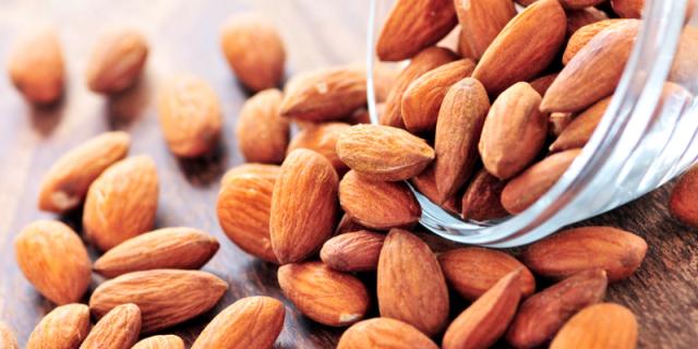 Kandungan-Nutrisi-dan-Manfaat-Kacang-Almond